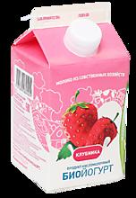 Биойогурт питьевой 2.5% «Деревенское молочко» клубника, 450г