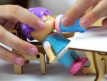 Куколка-сюрприз в банке газировки, 8 см