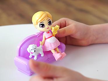 Куколка-сюрприз с аксессуаром и домашним питомцем, 9 см